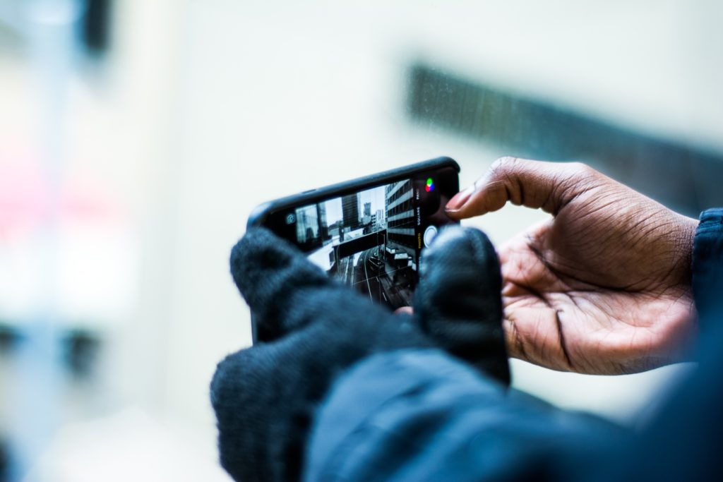 phone-with-gloves